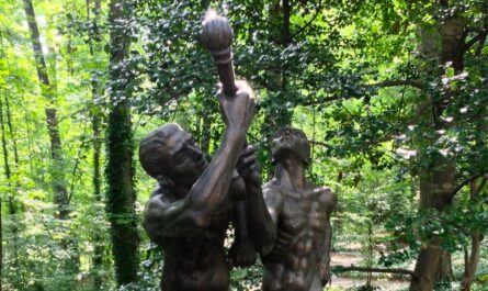 the sculpture torchbearers by charles umlauf
